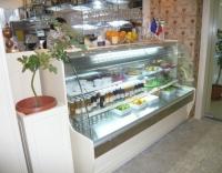 Хладилна витрина за сладки изделия