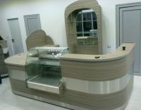 Хладилна витрина вградена в барче