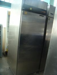 Хладилен шкаф Foster (-18°/21°C)